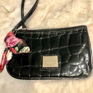 Liz Claiborne patent leather wristlet
